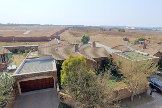 3 Bedroom House for sale in Glen Marais