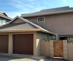 Townhouse for sale in Scottburgh Central
