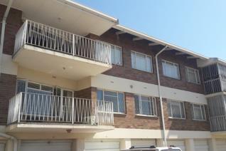 Huge corner flat in popular block of flats close to CBD convenience.  The flat has a ...
