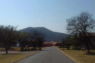 Peace and tranquillity, country style living close to Rustenburg. If you've ever wanted to live in a security estate that feels like a ...