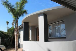 Sole Mandate  This 2 Bedroom house offers Main Dwelling:  2 bedrooms,  bathroom, open ...