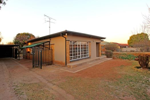 Property and houses for sale in Roodepoort : Roodepoort