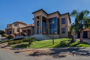 This is a very beautiful house situated in a tranquil upmarket Blue valley Golf estate. ...