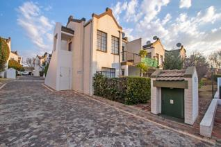 This spacious 1 bed, 1 bath duplex unit in the popular Stellenberg Estate in Magaliessig is priced to sell. It is the only unit in the ...