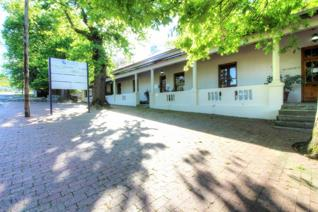Ideal commercial property close to paarl mall.   R5950 000 Excluding VAT This spacious commercial property is situated in close ...