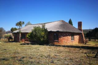 This 192ha farm in the Utrecht area about 39km from Vryheid hosts the opportunity for any farmer. Beautiful 3 Bedroom Thatch-roof home ...
