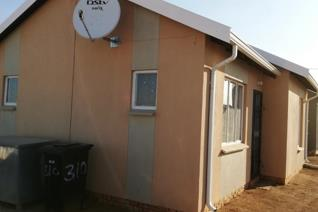 This lovely 2 bedroom house in Savanna City, surrounded by newly developed houses ...