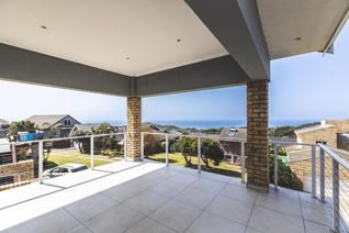 This light and airy 6 bedroom home, with spectacular sea views, is perfect for a growing ...