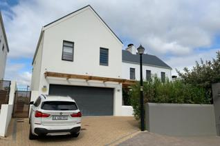 Vyfde Slot, Nr 12 is a great home for couples or families who want to experience estate ...