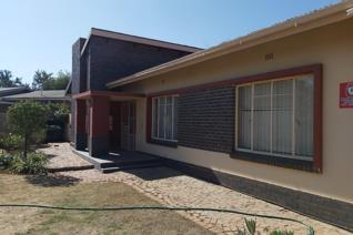 This four bedrooms, with 2 and a half bathrooms, main bedroom has an en-suite bathroom. Spacious living/dining room. Kitchen with lots ...