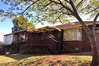 Situated in a popular area in the south of Pietermaritzburg, Hayfields. This home also ...