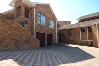 This ideally located townhouse in Hartenbos on the Garden Route is now up for ...