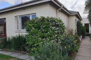 Spacious home ideally located on the popular Belvedere Road in Claremont.  This property ...