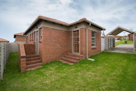 3 Bedroom House for sale in Thatch Hill Estate