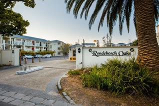 Situated at the popular Rondebosch Oaks, this spacious studio apartment offers the perfect living space for young professionals and ...