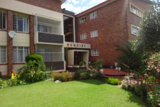 Spacious 1 bedroom apartment for rent in Sunkist  Property offerings:  - Situated on the 1st floor - 1 Massive bedroom - 1 Full ...