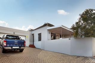 Lovely 3 Bedroom Home in Royal Ascot, Milnerton.