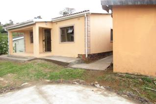 Do investment in this amazing 3 bedrooms, spacious lounge, kitchen, bathroom plus 2 bedroom outside building for extra cash, aluminium ...