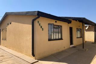 Thoka properties presents to you this beautiful 2 bedroom house to rent in Mabopane on a 12 months lease for R3,500 per month .the ...
