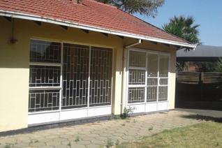 4 Bedroom House Bathroom - Separate toilet Open plan lounge / diner Kitchen Carport for 4 cars
