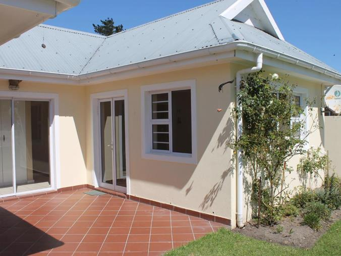 2 Bedroom House For Sale In Sedgefield Central P24 107981905