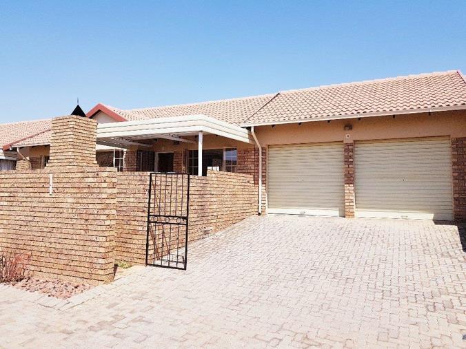 Listing number: P24-107554523, Image number: 1, Double garage