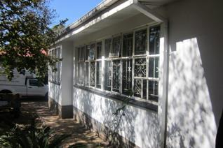 Spacious north facing house in quiet area near N1 off ramp, Hatfield Gautrain and ...