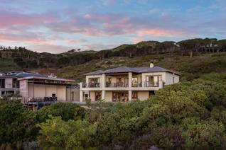 Situated at the top of Boskloof Eco Estate this gorgeous home with opulent living oozes ...