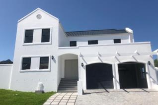 Beautifully designed brand new 4 bedroom family home in De Stellen Estate situated just off the R44 between Stellenbosch and Somerset ...