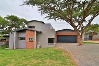 This immaculate double story villa is modern, luxurious and perfect for first time ...