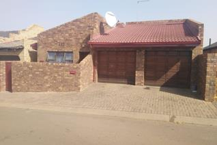 Beautiful Facebrick home in Protea North. A well built face brick home. Offering tiled ...
