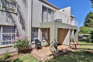 This garden unit has 2 bedrooms and 1 full bathroom. Open plan kitchen and lounge/ ...
