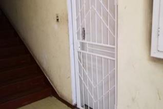 3 Bedroom flat Lounge Kitchen Shower Toilet Security gate Water included in rent Pr Paid meter 3 Bedroom ...