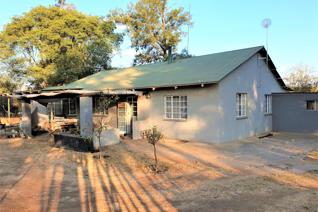 House to RENT on a plot in Broederstroom If you need peace and tranquillity freedom and ...