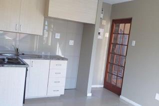 Beautifull 1 bedroom apartment available in Guldenpark. Available from 1 November 2019. En-suite bathroom with shower, basin and ...