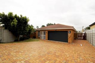 Stunning 3 bedroom face brick property that includes spacious living areas, indoor ...