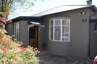 Don't miss this neat as a pin home with a flatlet/studio. The property consists of 3 ...