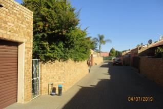 This is 2 bed room town house at Omega park in Polokwane  Penina park and it has a ...