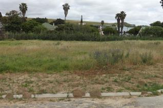 Situated in a quiet cul-de-sac. This is the perfect place to build your country home!