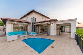 Opening Bid R3 000 000  This luxury single storey home is North Facing and is located on a double stand on the banks of the Vaal River. ...