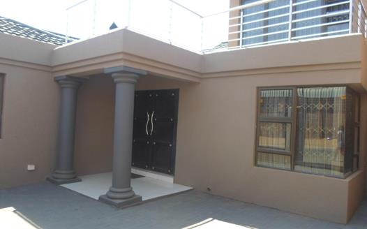 3 Bedroom House for sale in Diepkloof