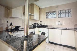 This neat and spacious simplex unit offers you your own private space and garden with ...
