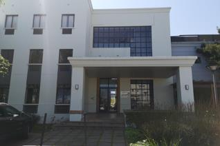 Arun Place is well known for its medical rooms and practices.  This building is in the heart of Somerset West situated right next to ...