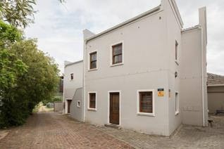 Situated in the mixed-use development known as Village Artisan, this upstairs 2 bedroom apartment is roomy with lots of cupboard space. ...