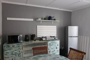 ***NB - NO Smokers or Drinkers please!*** Beautiful Flat for rent in Dwarskersbos ...
