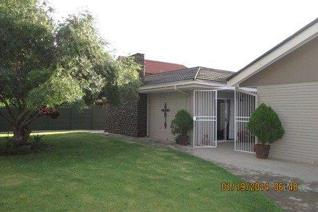 This exceptional home offers you the ideal opportunity to earn extra income, or ...