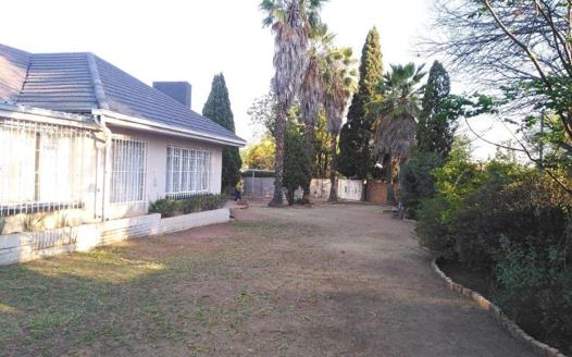 3 Bedroom House for sale in Parkdene