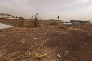 This land is situated in Tembisa and it can be used to build rooms. Cash buyers only it ...