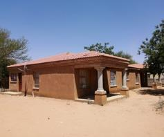 House for sale in Mmabatho Unit 7