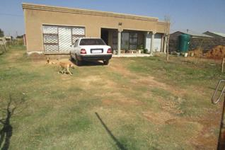 Settle down in this developing area of hamaanskraal, Dilopye.  This property is very ...